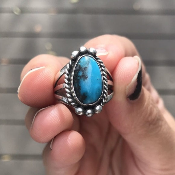 Vintage Jewelry - Sterling Silver and Turquoise Ring